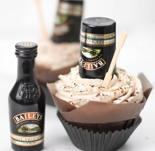irish cream hot fudge cupcakes